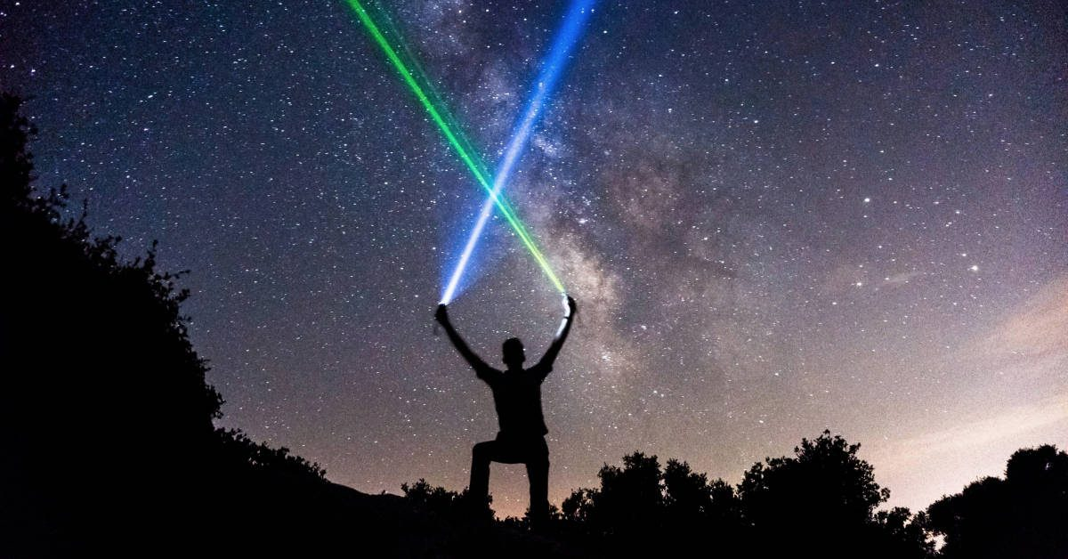 Best Green Color Laser Pointer For Astronomy – We Review The Top High Power Pointers For Night Sky Star Gazing