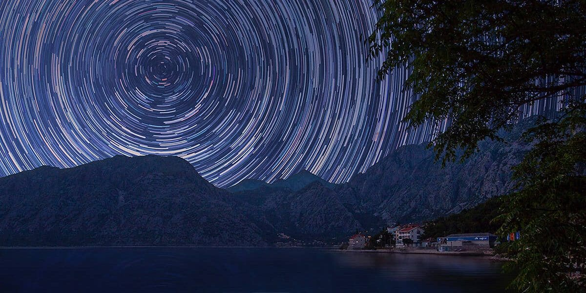 How-to-photograph-star-trails-feature-1200x628